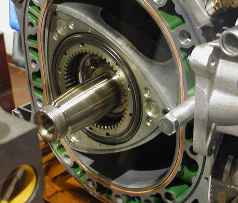 موتور وانکل یا موتور دورانی